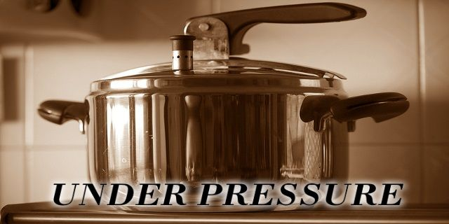 pressure cooker pros and cons - featured image